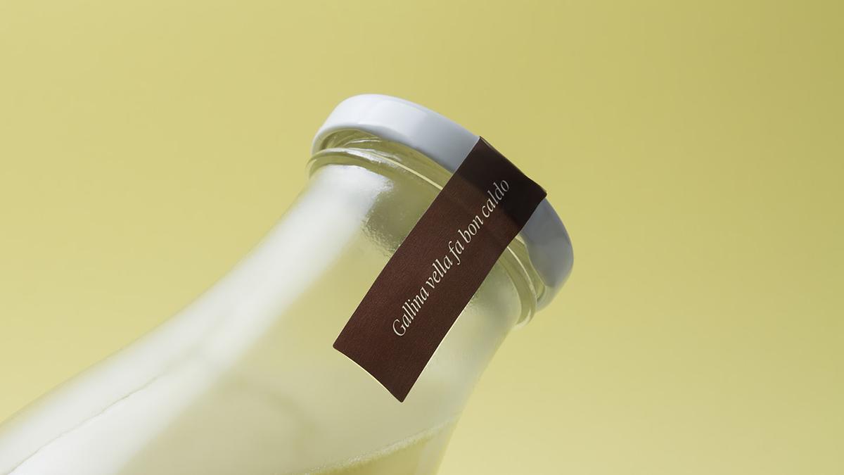 07-orient-granja-la-roca--identitat-packaging